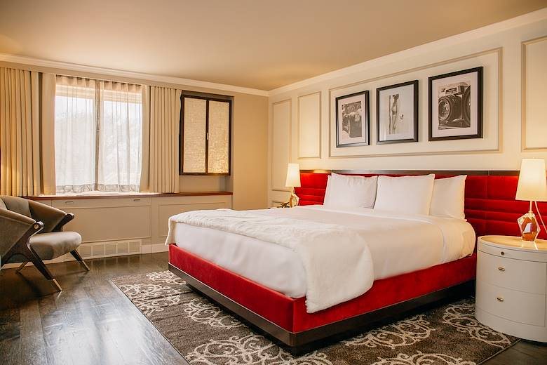 Oak Brook Hotel Rooms & Accommodations - Boutique Hotels in Oak Brook